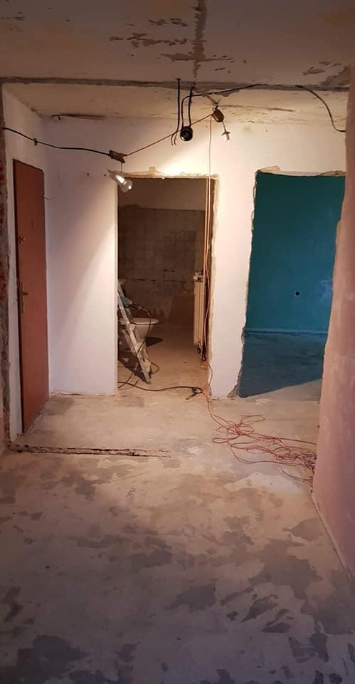 układanie paneli podłogowych i ściennych szpachlowanie gruntowanie, malowanie